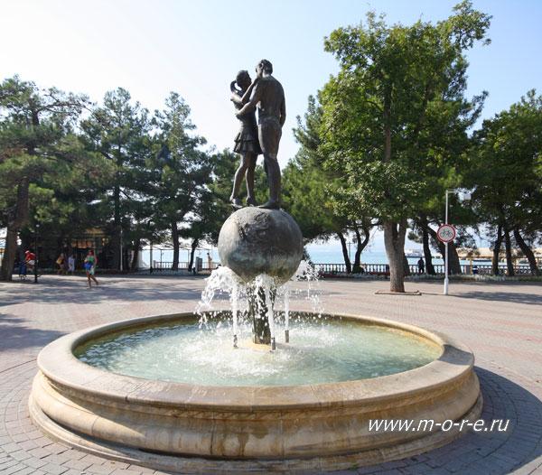 Памятник с сердцем Геленджик заказ памятника на кладбище Шимановск